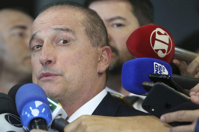 Renan promete prender Onyx se secretário de Bolsonaro continuar a intimidar testemunha