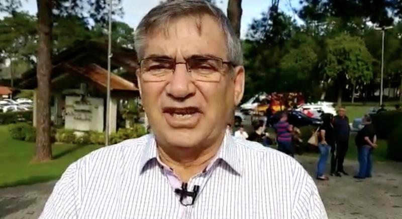 """Gilberto Carvalho, no enterro de Arthur: """"Que Deus perdoe"""" Eduardo Bolsonaro"""