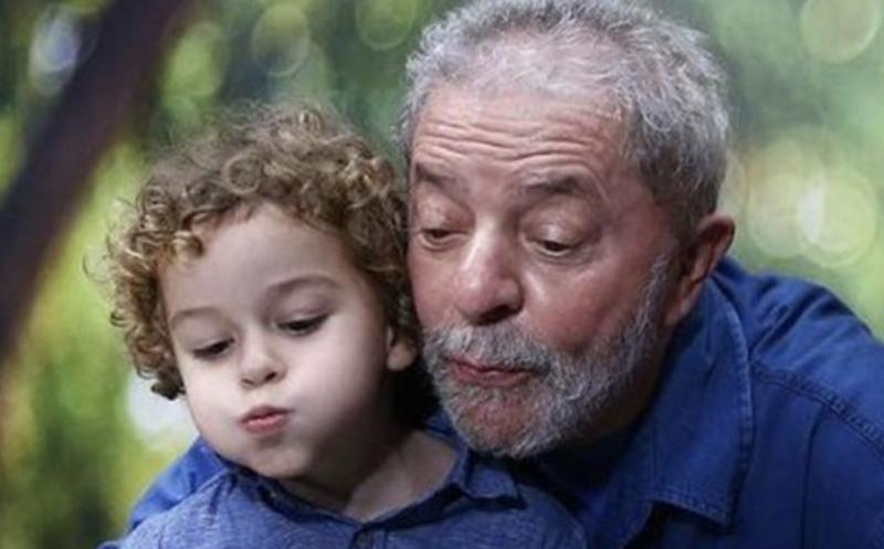 """Leonardo Boff, a Lula: """"No céu Jesus se fez menino para brincar com Arthur"""""""