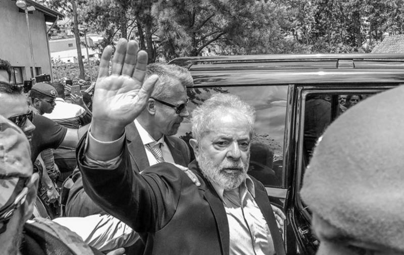 Aragão: Lula é um exilado dentro de sua própria pátria