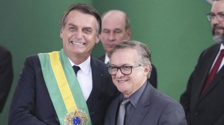 """Em artigo, ministro da Educação de Bolsonaro escreveu que Trump é """"falastrão"""""""