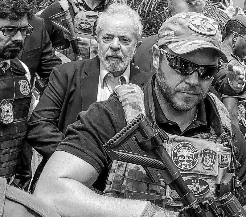PT pede ação da PF contra agente bolsonarista que escoltou Lula