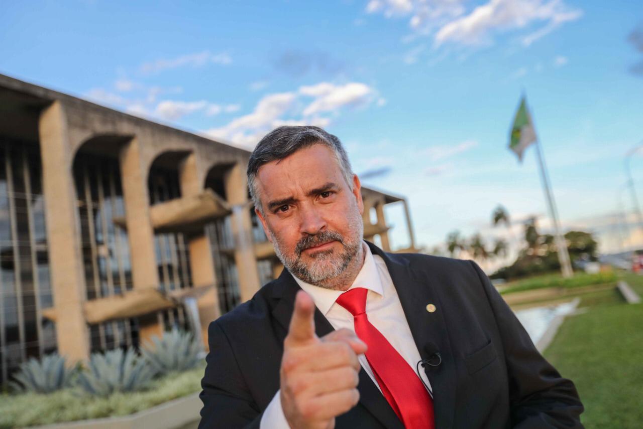 Paulo Pimenta: A farsa Lava Jato saqueou o Brasil e prendeu Lula para entregar nossas riquezas; vídeo