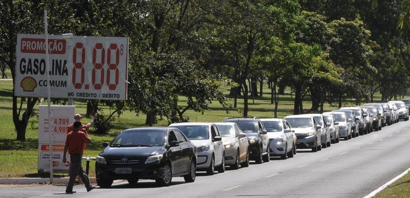 Diesel sobe 10 centavos por litro mesmo com ameaça de greve dos caminhoneiros