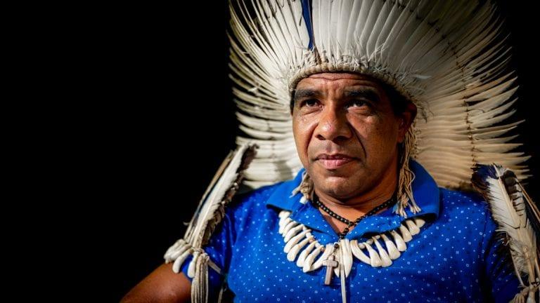 Cacique tupinambá denuncia plano de fazendeiros para assassinar sua família na Bahia; assista
