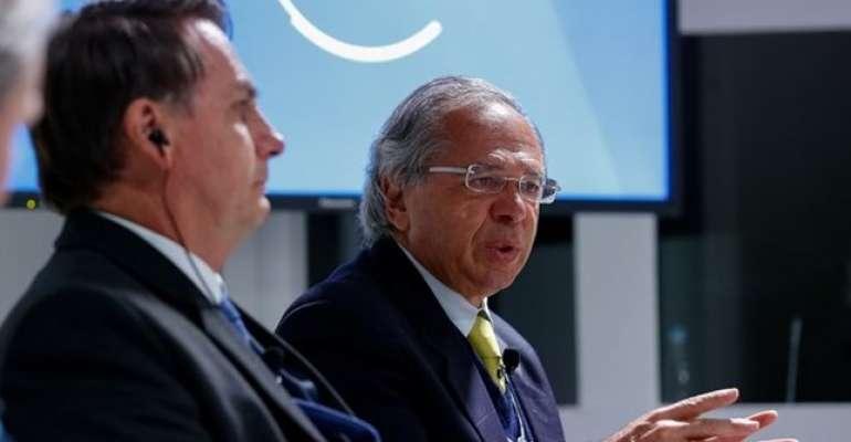 CUT escracha: Governo Bolsonaro diz que aposentado que recebe R$ 2.231,00 é rico