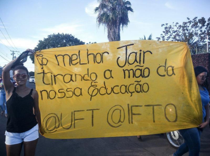 Tsunami da educação nas ruas confunde a cabeça do governo Bolsonaro