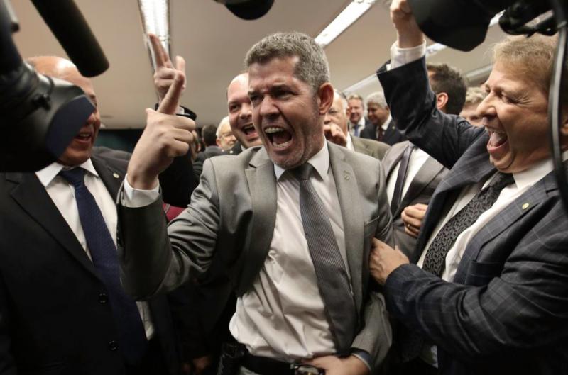 """Líder do PSL na Câmara: """"A Bahia é um lixo governado pelo PT""""; vídeo"""