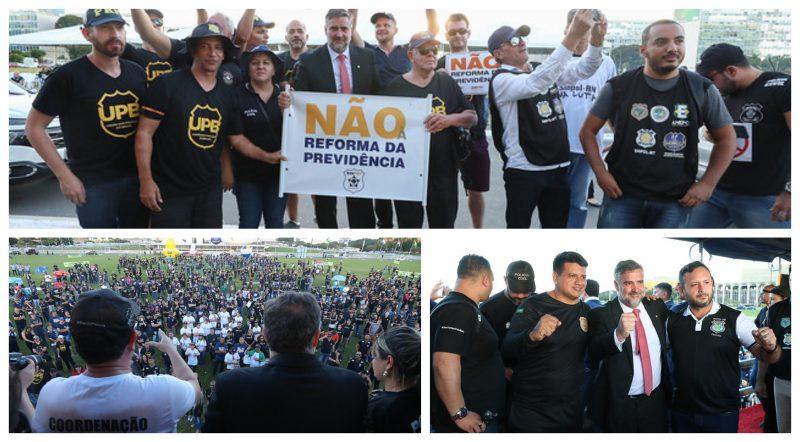 Previdência: Policiais chamam Bolsonaro de 'traidor'; Pimenta avisa que PT votará contra; veja vídeos