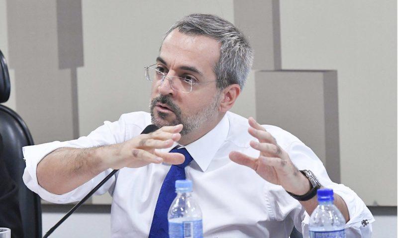 Future-se avança sobre o SUS: MEC quer que hospitais universitários atendam convênios, institucionalizando a dupla porta
