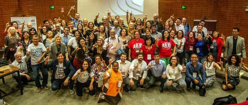 Tânia Oliveira: A luta só é possível com a companhia de outros braços!