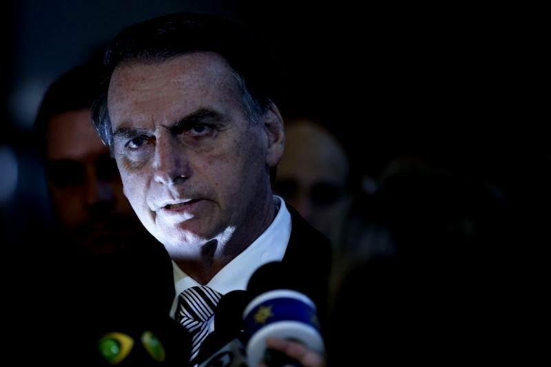 Rodrigo Vianna: Bolsonaro dá mais sinais de que aposta na ruptura; Moro e Guedes viram sócios na estratégia