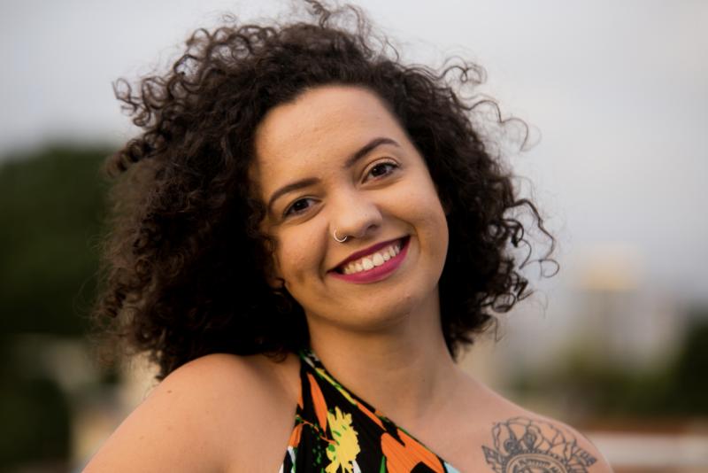 """Evangélica que se exilou por defender o aborto diz que o Brasil vive """"cristofascismo"""""""