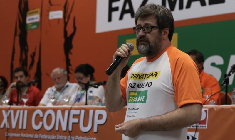 """Rapina: Gestores da Petrobrás """"estão ganhando bônus para destruir a empresa"""", denuncia Dary Beck na Câmara"""