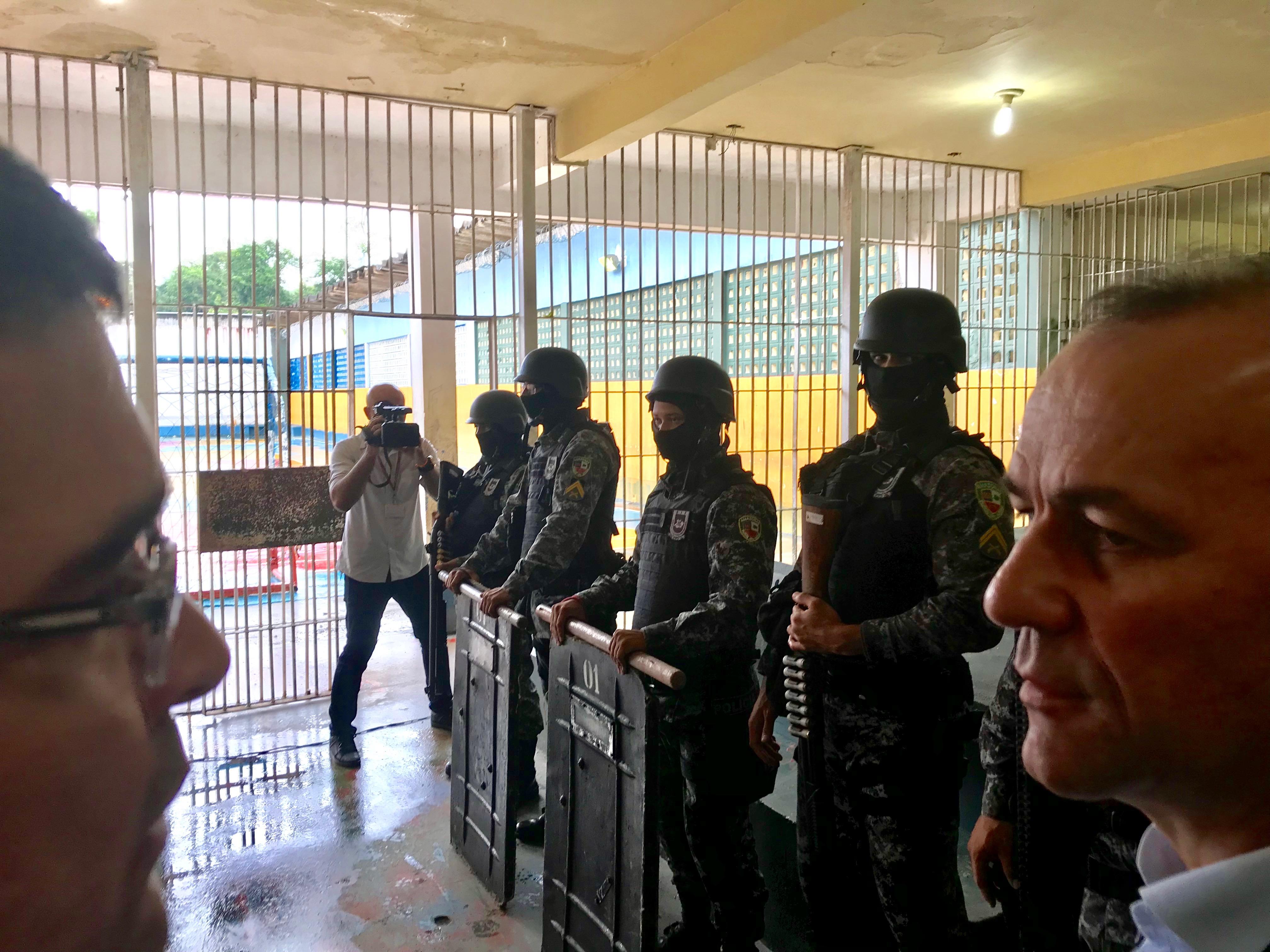 Deputados repudiam exonerações de peritos do mecanismo de combate à tortura
