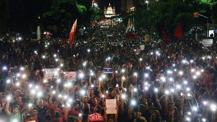 Professores ao ministro da Educação: Continuaremos  com os estudantes; não nos calaremos diante de autoritarismos