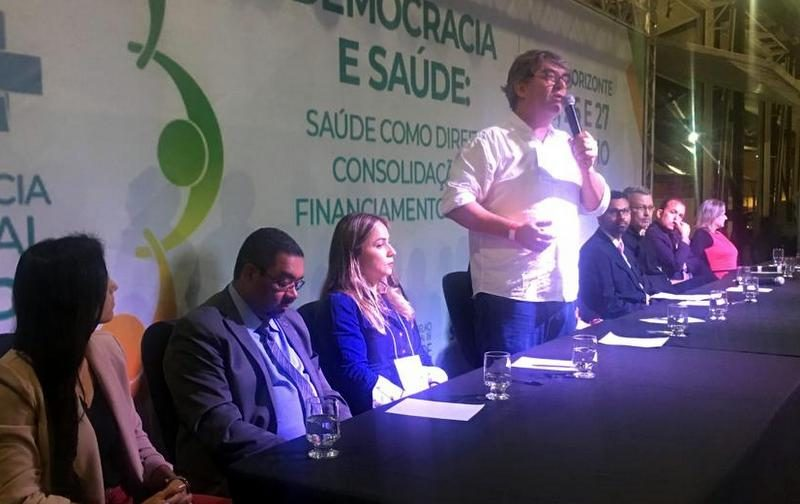 """Ronald dos Santos: """"Democracia e saúde são irmãs siamesas, não vivem separadas""""; vídeo"""