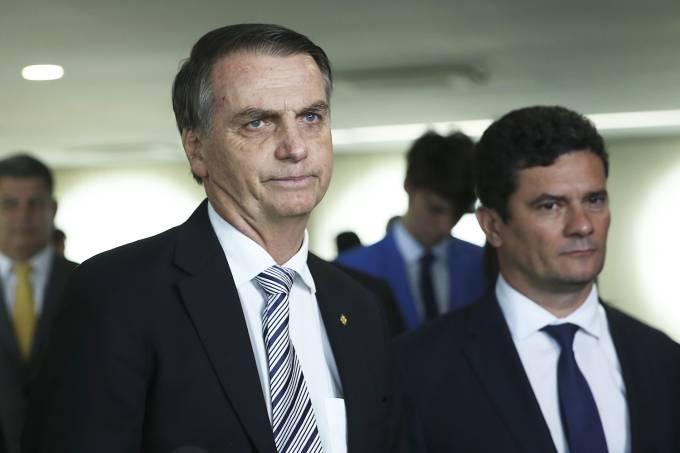 Rubens Valente: Moro vaza para Bolsonaro dados de inquérito sigiloso da PF sobre laranjas do PSL