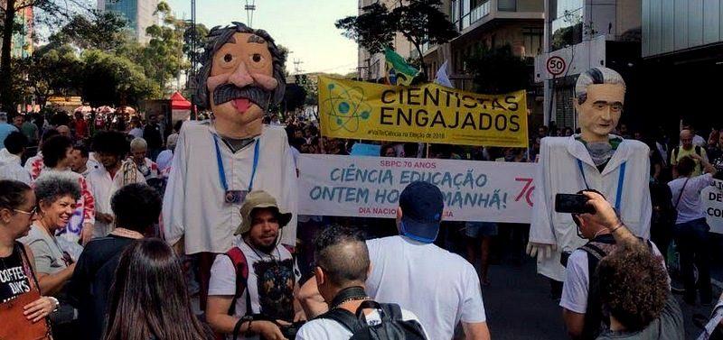 Contra ataques de Bolsonaro e Doria à Ciência, pesquisadores protestam neste domingo