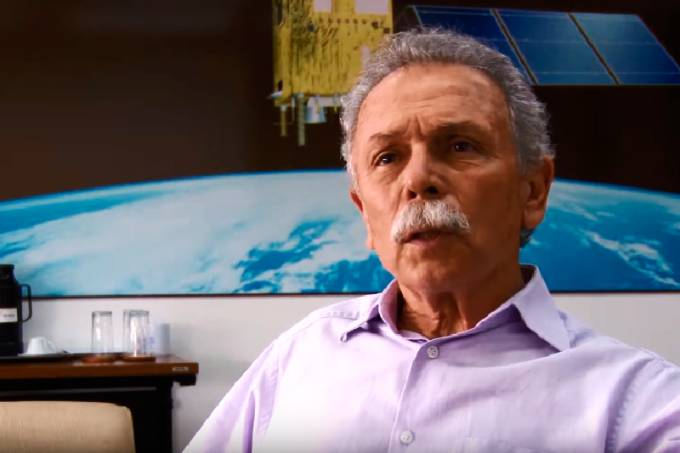 Lula, como pode o Bolsonaro, eleito por mentiras, demitir quem diz a verdade? Exonerou presidente do Inpe só por isso!