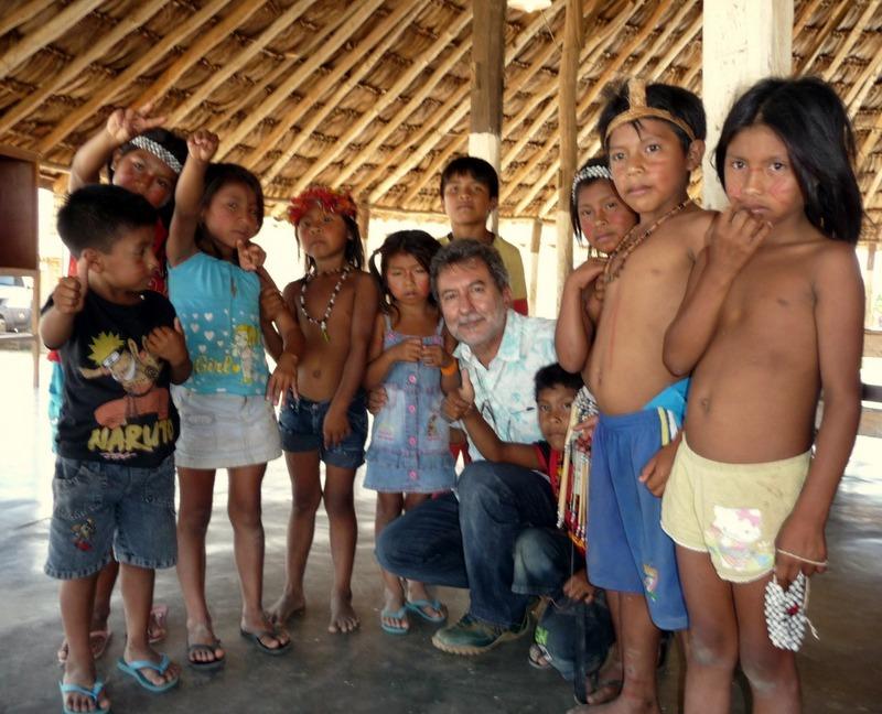 Facebook censura Viomundo por foto de crianças indígenas sem camisa em matéria sobre a devastação da Amazônia