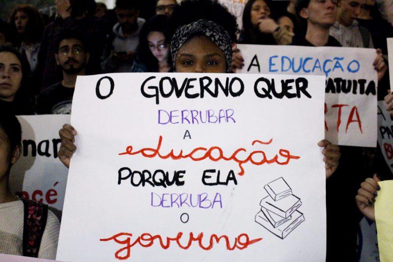 Pimenta: Brasileiros dizem ao mundo que Bolsonaro governa para o dinheiro