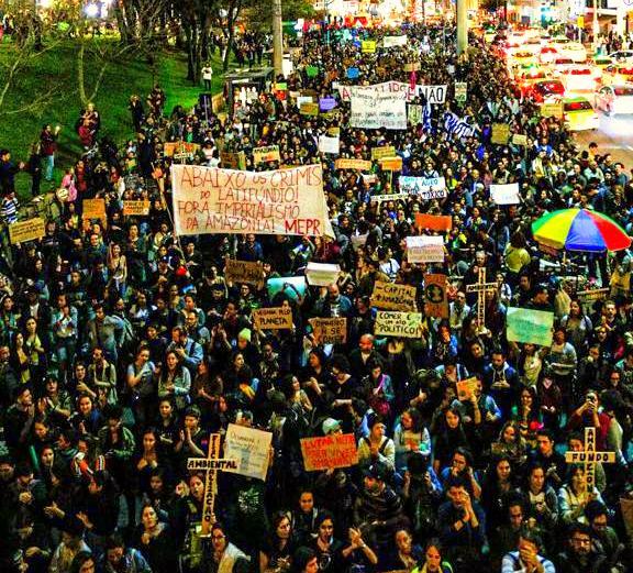 No Rio, SP e Curitiba milhares tomam as ruas pela Amazônia, contra os retrocessos ambientais do governo Bolsonaro; vídeos