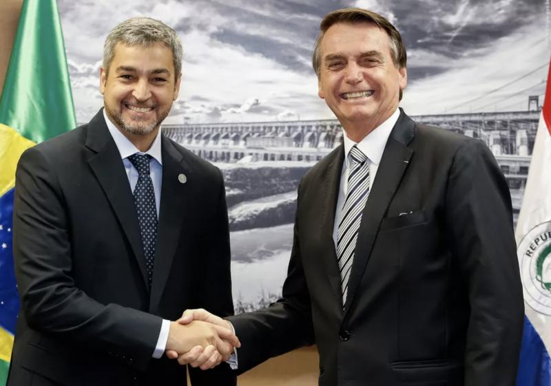 Eduardo Bolsonaro bloqueia depoimento e ainda não sabemos quem ia comprar megawatt por R$ 24 e vender por R$ 119