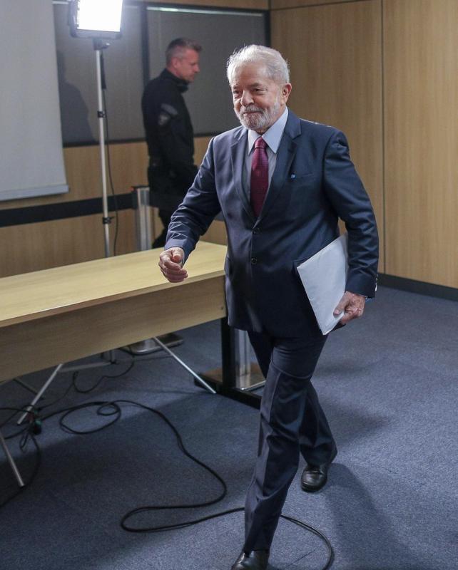 """Ex-promotor Agassiz Almeida, aos procuradores da Lava Jato: Condenação de Lula foi """"a canalhice do século"""""""
