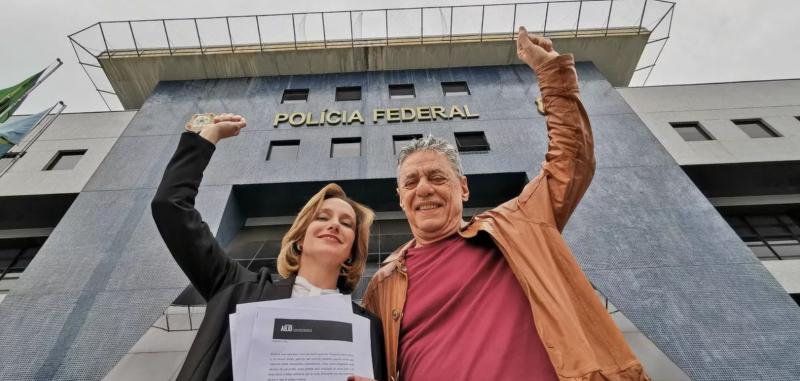 Bolsonaro já pagou R$ 228 mil a Chico Buarque, mas não deve assinar diploma do Prêmio Camões