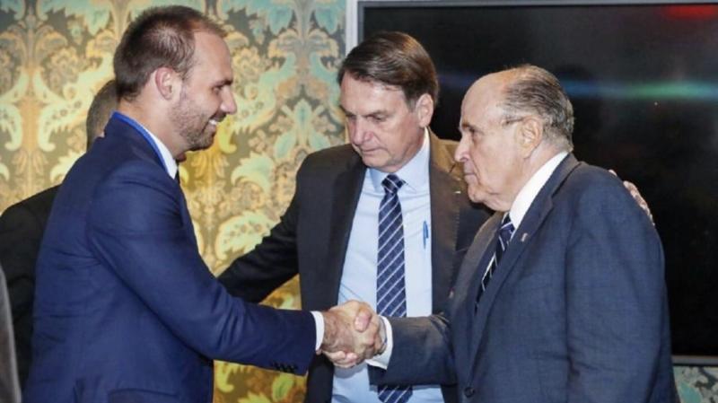 Em caso de impeachment de Trump, novo amigo dos Bolsonaro pode ir em cana. Entenda o papel de Giuliani no escândalo