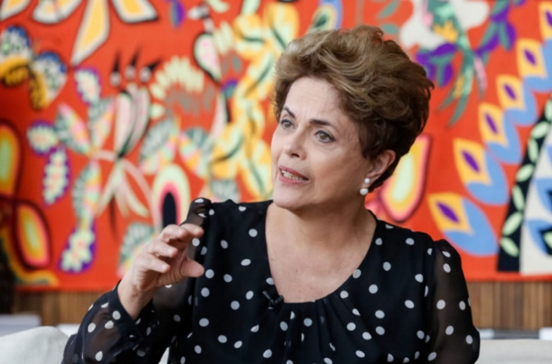Dilma: Não vou furar fila para tomar a vacina do Doria