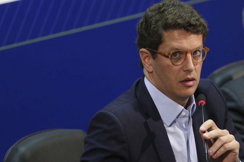 PT denuncia ministro por omissão nos vazamentos de óleo: Em vez de medidas para reduzir danos ambientais, ficou na mídia desviando o foco; íntegra