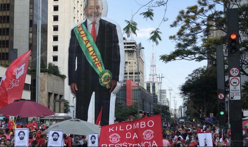 No tom do antigo Lula, Boulos chama Moro de juiz ladrão e questiona STF