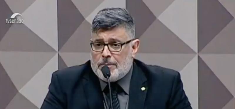 """Eduardo Bolsonaro chama Alexandre Frota de """"traíra"""" na CPMI das Fake News; acompanhe ao vivo"""