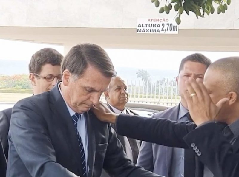 WhatsApp admite uso de disparos em massa no Brasil, Chico Alencar pede que eleição seja anulada e Bolsonaro clama por intervenção divina na mídia