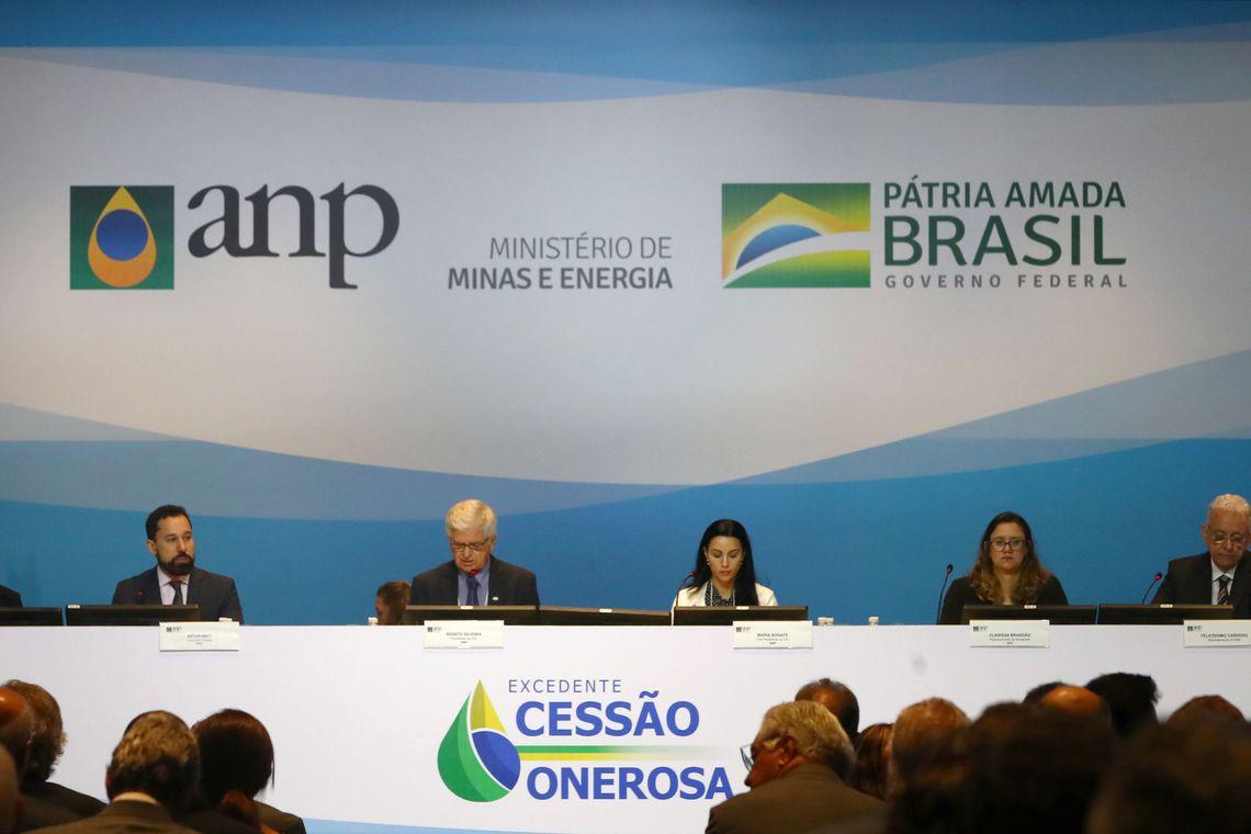 Fernando Brito: Megaleilão do pré-sal foi um fiasco para o governo e bom para o Brasil