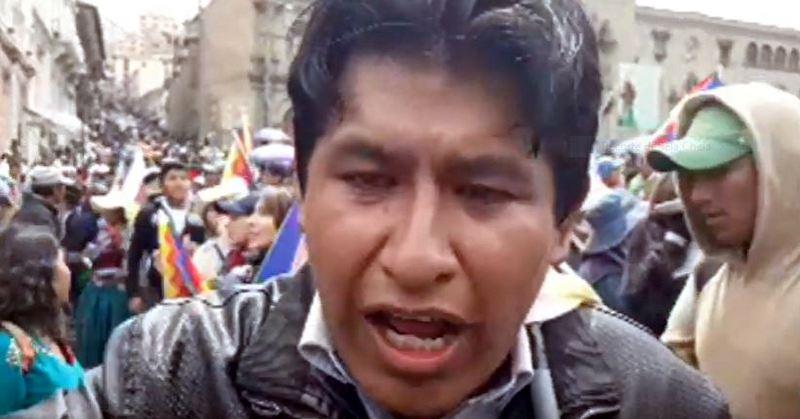 Indígenas tomam as ruas de La Paz contra o golpe; polícia ataca com bombas; veja como foi