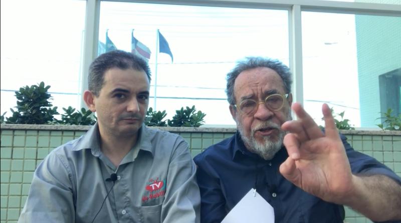 Fernando Morais, a Luiz Regadas: Moro está como um cachorro sem dono diante de Bolsonaro