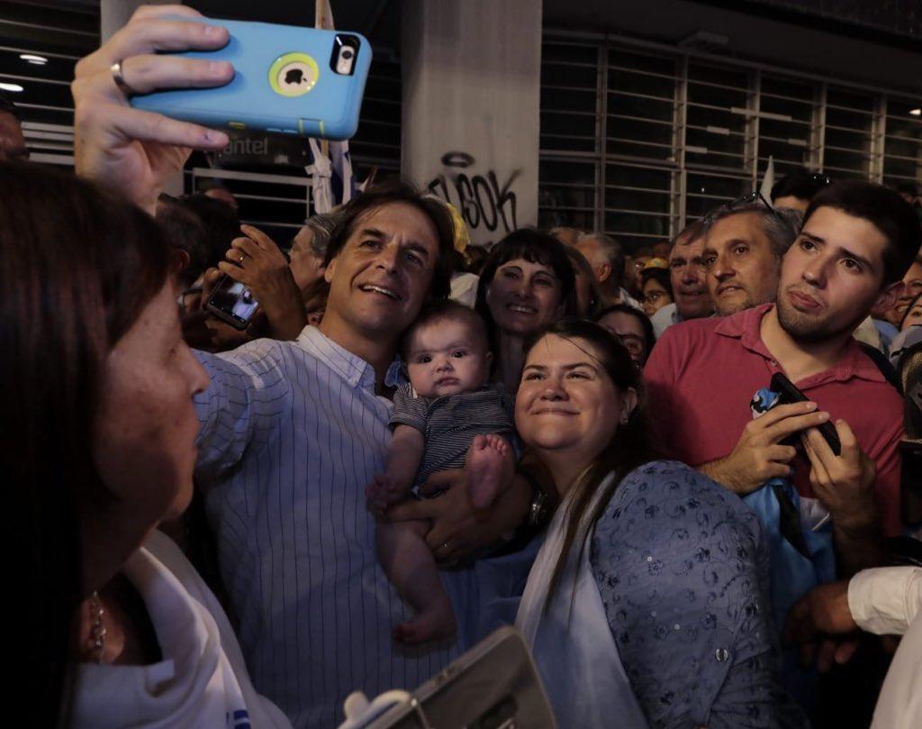 Jeferson Miola denuncia: Números de whatsapp do Brasil enviam ameaças de morte a uruguaios que não votarem no direitista Lacalle