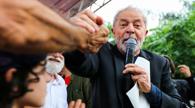 """A brava Vigília deu o seu último """"Boa Noite, presidente Lula"""", ao vivo, pessoalmente"""