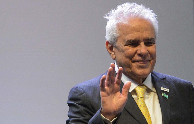 Pesquisa mostra que o povo reconhece que Petrobrás estatal é melhor, mas presidentre mente para enfraquecê-la, diz Felipe Coutinho