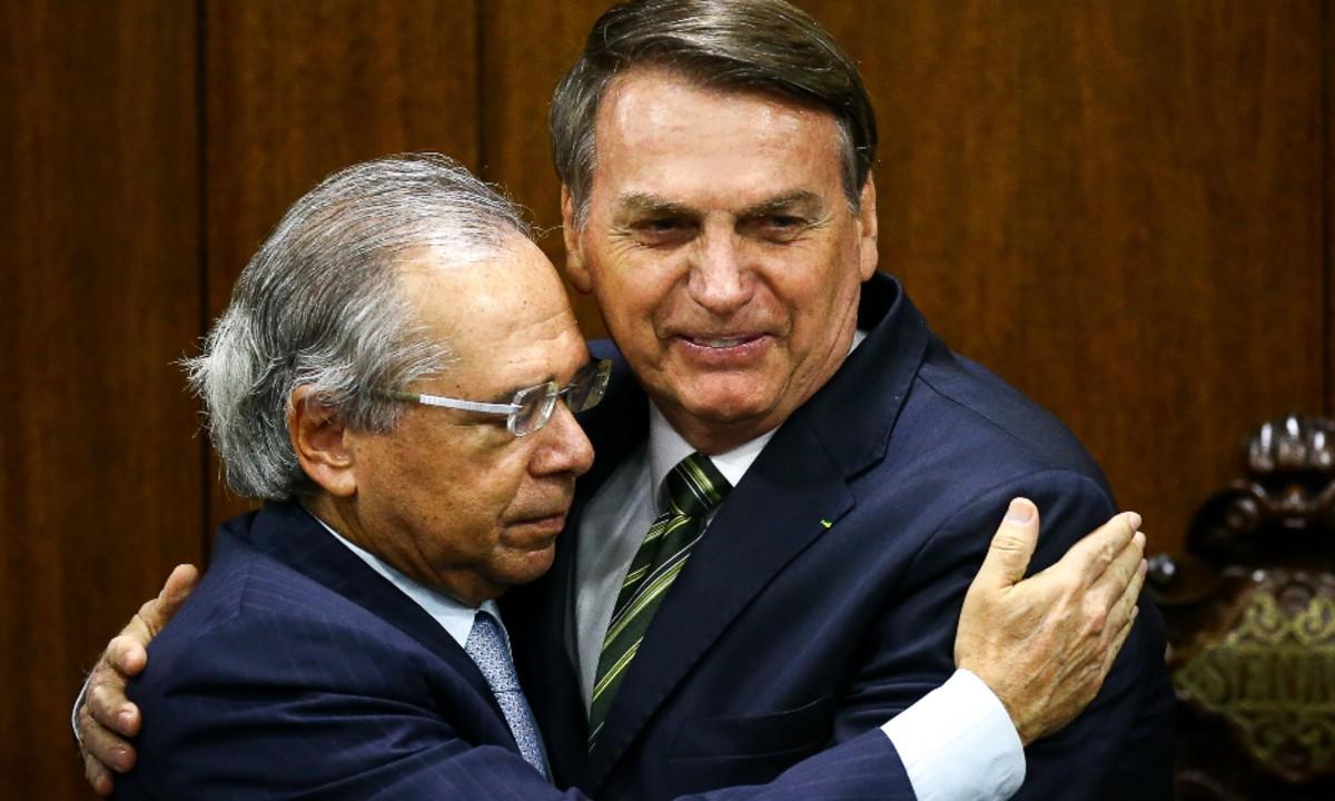 Petrobras vai ser demolida para pagar R$ 10 bi a estrangeiros em dividendos até 2024