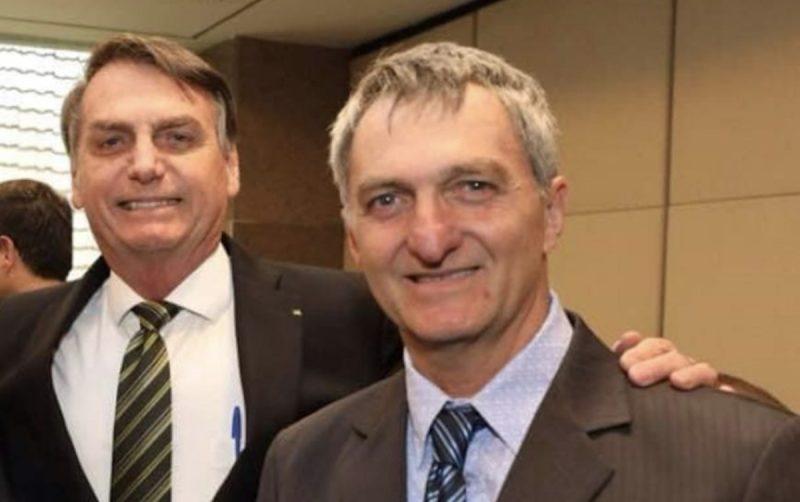 Cientista política alerta: Mídia esconde que irmão de Bolsonaro intermedeia verbas do governo federal e prefeituras