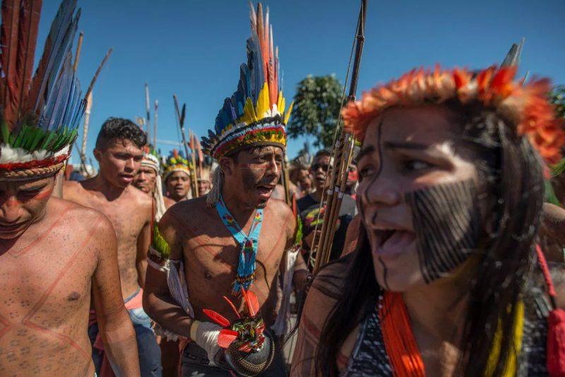 Congresso derruba vetos de Bolsonaro e garante a indígenas e quilombolas acesso a água potável e materiais de higiene;  vídeo