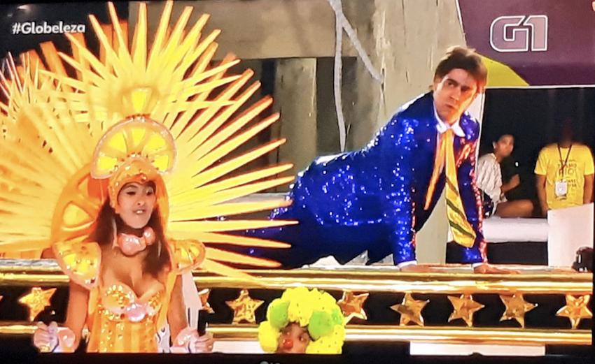 """""""Rei da lorota"""": A reação ao desfile de Adnet como Jair Bolsonaro na Sapucaí"""