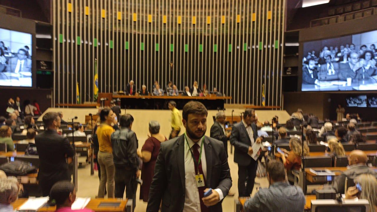 Como foi a sessão que comemorou os 25 anos da Comissão de Direitos Humanos da Câmara