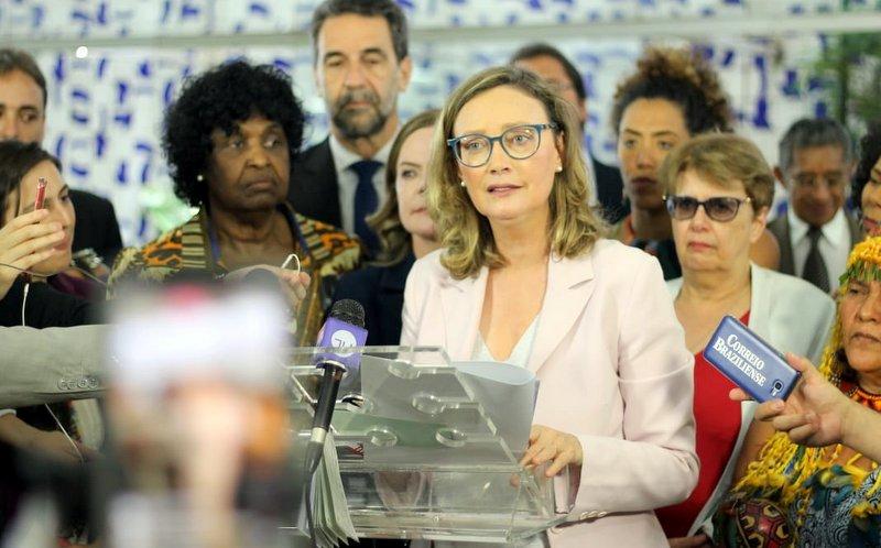 Maria do Rosário, sobre ataque de Bolsonaro à jornalista da Folha: Até quando Congresso, MP, Judiciário aceitarão?; vídeo