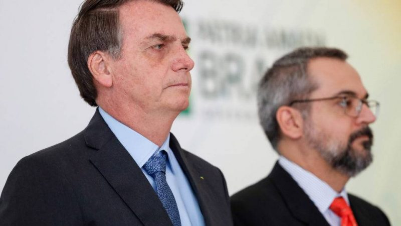 """Bolsonaristas reclamam de perda de seguidores e twitter explica: robôs espalham conteúdo """"potencialmente mal intencionado"""""""