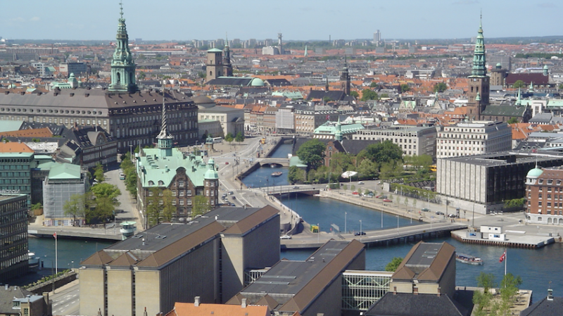 Dinamarca pagará até R$ 10 mil mensais para complementar salários durante pandemia